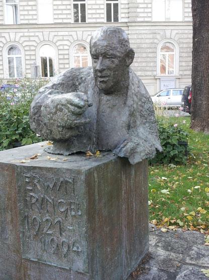 (c) Markup (2014), Erwin-Ringel-Denkmal am Schlickplatz