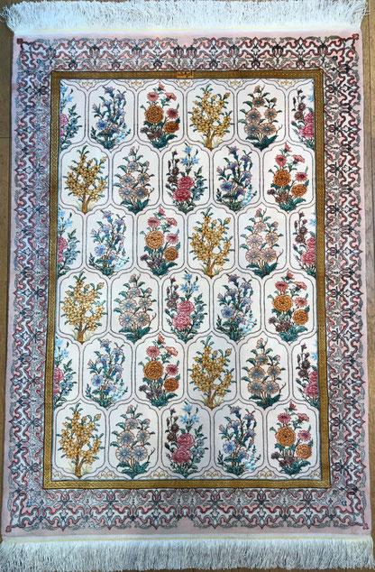 TABRIZ チャラクサイズwool&silkお花部分はsilk糸で美しく浮き上がり心奪われる作品