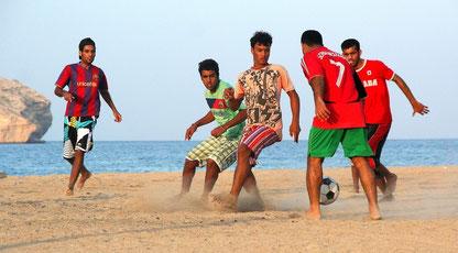 Oman - Fußball am Strand
