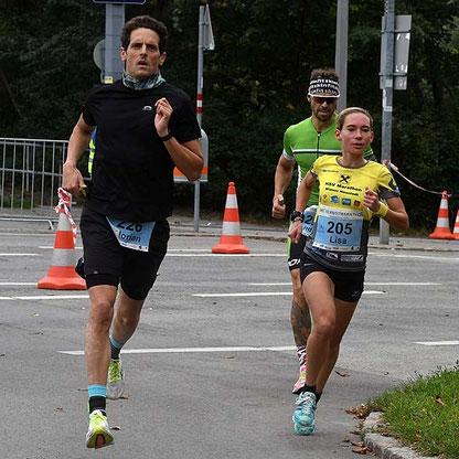 Lisa beim Halbmarathon-Sieg in Wien (Foto zVg)