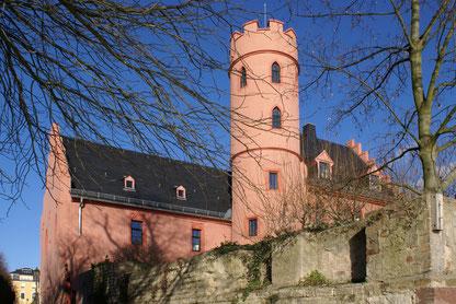 Städtereise Deutschland: Eltville am Rhein und die Burg Crass