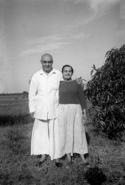 MSI Collection ; Pendu with his sister Naja