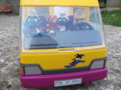 La famille Schtroumpfs sur la route des vacances
