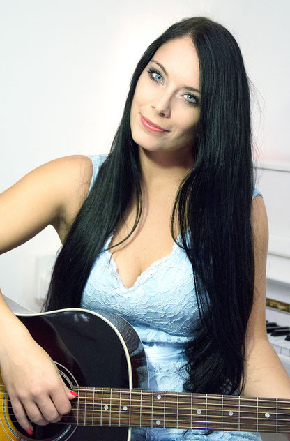 Sängerin/Gitarre Helen