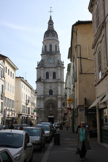 Bild: Glockenturm von Notre Dame in Bourg-en-Bresse