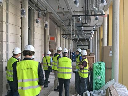 Baustellenbegehung im ehemaligen Kaufhaus Hertzog