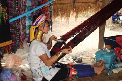 """""""Femme girafe"""" au nord de Chiang Mai"""