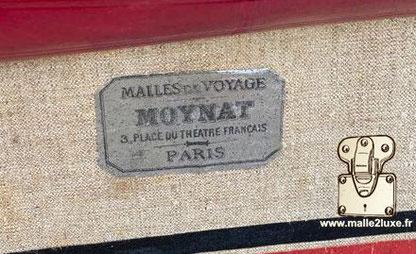 Malles de voyage Moynat  3 place du théâtre Français Paris