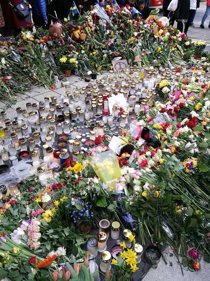 Blumen vor Åhléns City