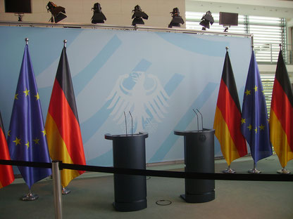 deutsche und europäische Flaggen