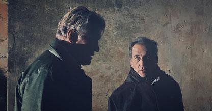 Giorgio Serafini mit Dolph Lundgren am Set von The Tracker