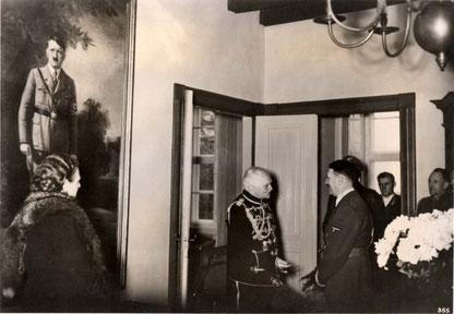 Hitler gratuliert Mackensen 1939 zum Geburtstag.