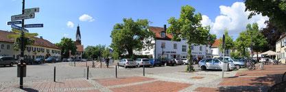 Pullach, Kirchplatz