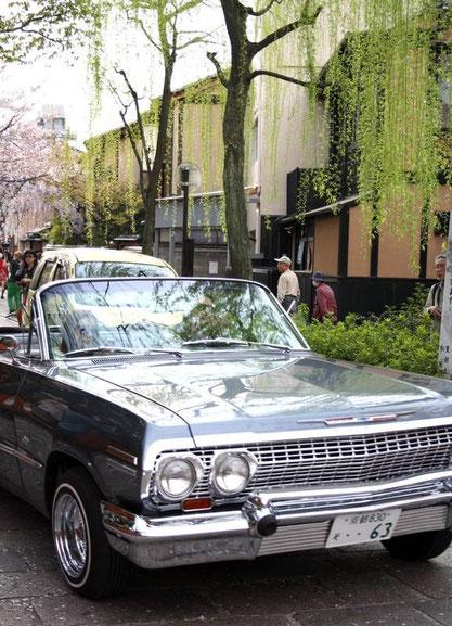 La belle Chevrolet das Shirakawa-Dori