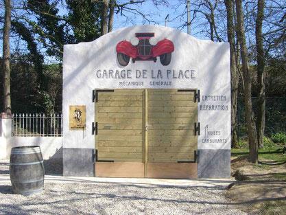 Façade du garage de la place de l'entrée 1930 - FESTYLAND