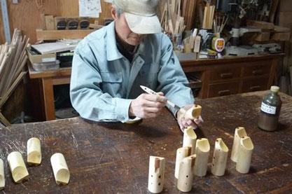 みかんの木のオカリナ ドレミかん笛テナー管オイル塗り作業中