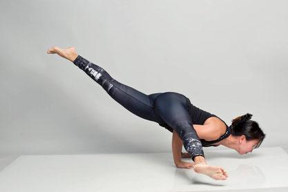 Vinyasa Yoga, Power Yoga Kurs, Yoga für Senioren, Yoga Ausbildungen, Yogalehrer Ausbildung. Kinderyoga. Yogalehrer Ausbildung (Yoga Teacher Training), Meditationslehrer Ausbildung / Meditation Ausbildung in Zürich Oerlikon