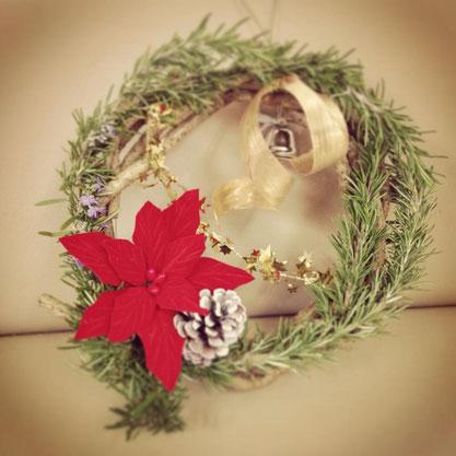 フレッシュローズマリーを使ったクリスマスリース