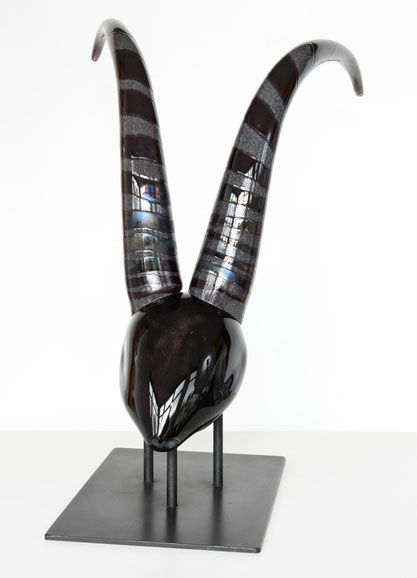 Antilope  H 50 cm / B 36 cm / L 50 cm / 9,3 kg   EUR   895,00 incl. MwSt.