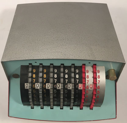 CAROLINE licencia SIMEX (Societe Industrielle des Metaux Manufacture SA, Nyon, Suiza). s/n 14834, fabricada por Ets. Vullierme (Rumilly, Francia), año 1950, 20x24x14 cm