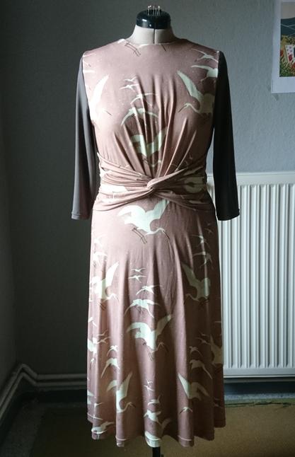 Self sewn dress from jersey fabric with crane motifs © GriseldaK 2019