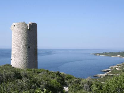 Torre Badum en la Sierra de Irta, Castellón, Comunidad Valenciana.