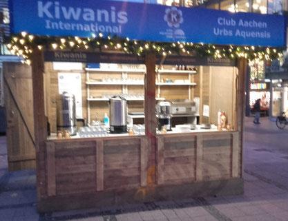 Der traditionelle Verkaufsstand des Kiwanis Clubs Aachen Urbs Aquensis