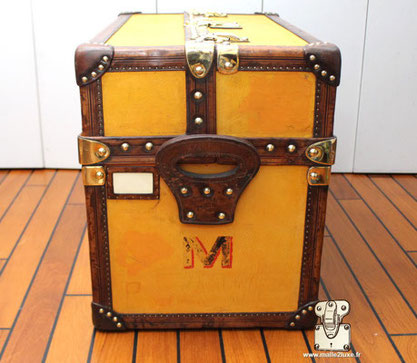 malle jaune d'origine Louis Vuitton expert