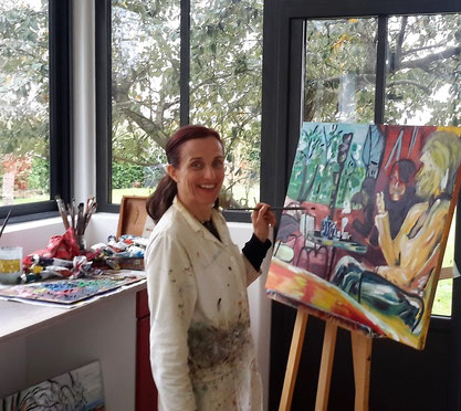 Claire Allard dans son atelier