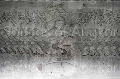 Angkor Vat. Galerie est, aile sud. Barattage de l'Océan de Lait.