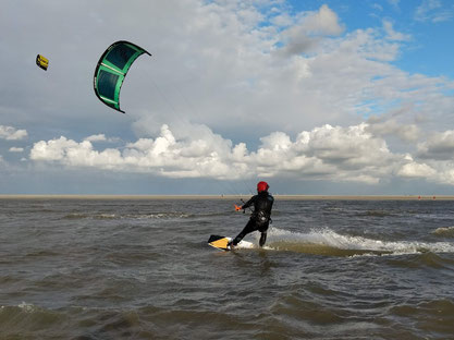 Learn how to kite in St. Peter Ording