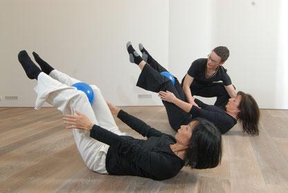 Pilates Training in kleinen Gruppen