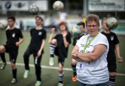 Auf Wiedersehen: Die frühere Jugendleiterin Corinna Beilmann ist jetzt zum letzten Mal fürs TuSpo-Pfingstturnier im Einsatz. FOTO: Ralph Matzerath (RP/Archiv)