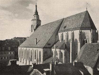 """Die Stiftskirche Ende der 40er Jahre. Auf ihrem Turm erklang an Heiligabend 1945 mit """"Stille Nacht"""" wieder ein Friedensgruß für Tübingen. Bild: Foto Kleinfeldt, Tübingen.***"""