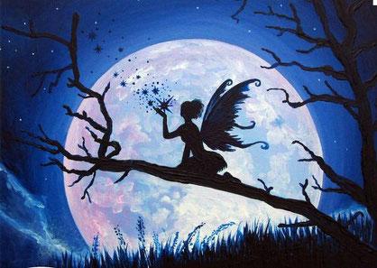 Le monde de l'invisible regorge d'esprits de la nature telles les fées qui m'épaulent pendant les séances de soins à mon cabinet. Je suis accomapgnée également des anges et archanges, de maitres ascensionnés et de mes guides toujours fidèles au poste.