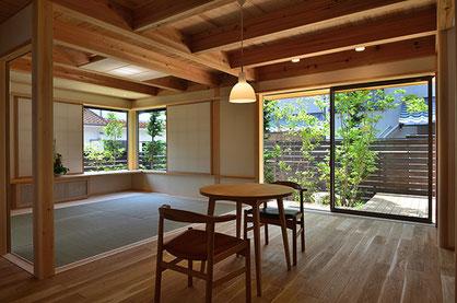 植栽で風景をつくることが可能なので開放感のある空間も作ることができます。