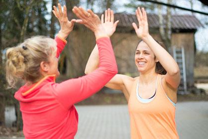 Gemeinsam kommen wir durch Ernährungsberatung, Personal Training und Gesundheitscoaching deinem Ziel näher