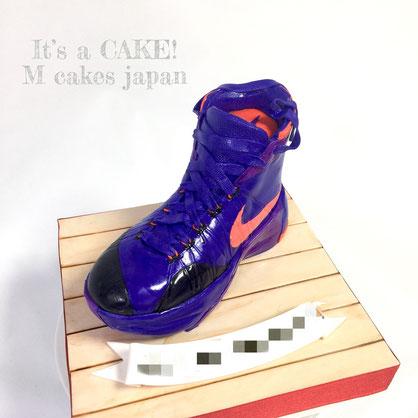 ナイキ ハイパーダンク2015 スニーカーケーキ🍰 #スニーカーケーキ #ハイパーダンク2015 #バスケットシューズ #バッシュ  #シュガーアート#ケーキアート #nike #hyperdunk2015 #sneakers #sneakerscake #basketballshoes #torte #gateau #cake #handmade #japanesemade #ケーキ