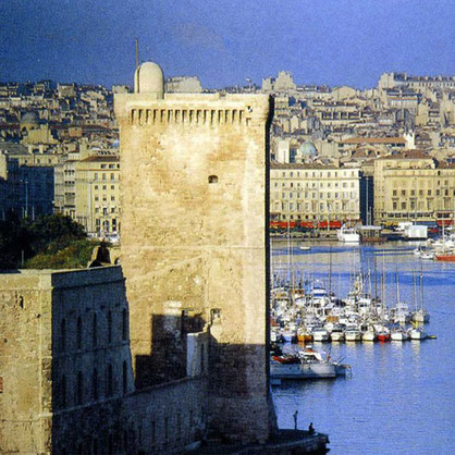 restoration-tower-tour-roy-rene-carved-stone-historical-monument-stones-marseille