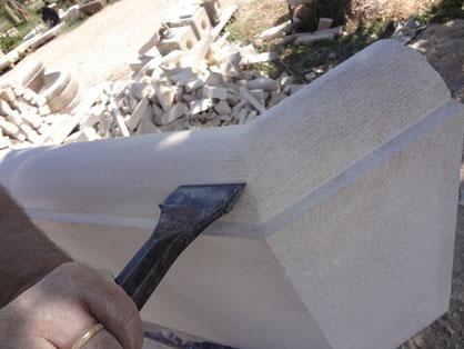 taille-bassin-fontaine-pierre-ciseau-entrecasteaux-var-83