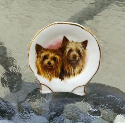 Фарфоровая миниатюра, купленная из частной коллекции. Выигран на торгах 19.12.2014 The Potteries, United Kingdom