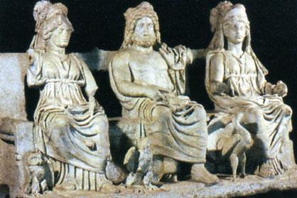 Kapitolinische Trias: Juno, Jupiter, Minerva - Archäologisches Museum Palestrina (Bild: luiclemens en.wikipedia)