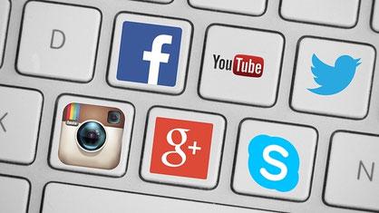 Tastatur mit Social Media Buttens