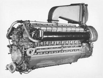 Daimler Benz MB 518 20-Zylinder-V-Dieselmotor mit Aufladung 3000 PS - Foto: Archiv David Mills