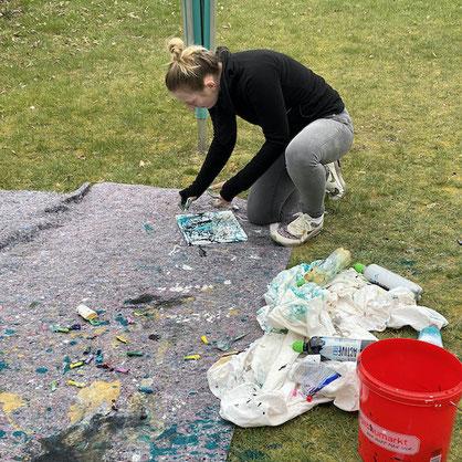 Kunstwerk planen, Wasserballons und Farbflaschen, DIY