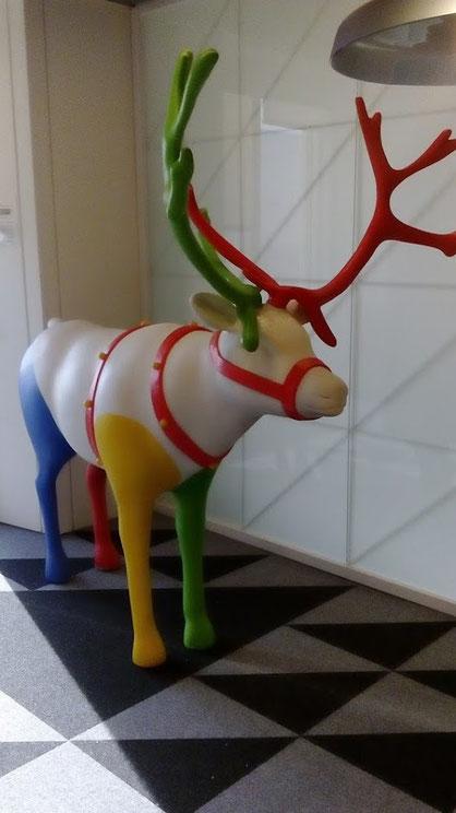 Restauración en un corpóreo de Reno estropeado en las oficinas de Google Madrid
