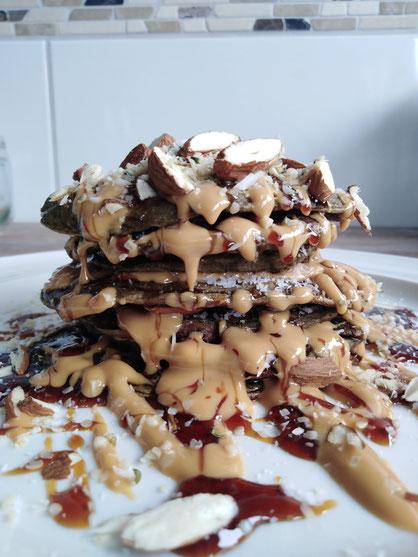 Hanf-Protein-Pancakes Rezept vegan glutenfrei, Erdnussbutter, Mandeln, Hanfsamen