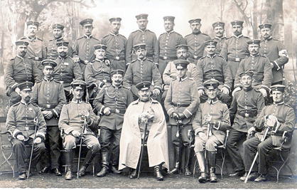 Erich Bowien, (father of the artist) and his officers, 1914
