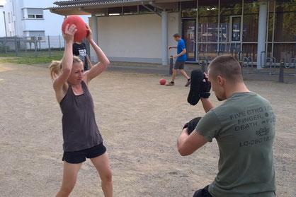 SC Int'l - Street Combatives - Slamball Training für Combatives, Krav Maga, Selbstverteidigung und Kampfsport (Teil 1)
