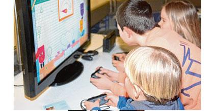 An den Konsolen und PCs konnten die Kinder sich ausprobieren.